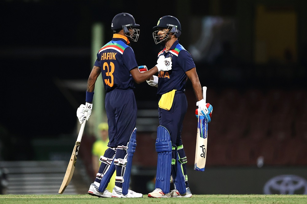 Aus Crush Ind To Clinch Victory In 1st ODI