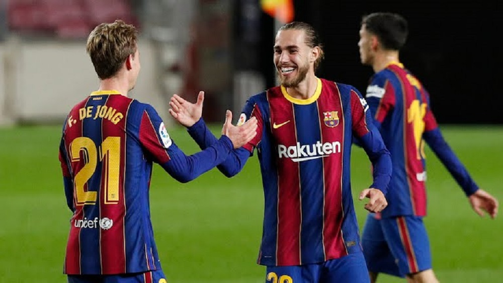 Barcelona Hold Their Nerve To Win Against La Liga Toppers Real Sociedad