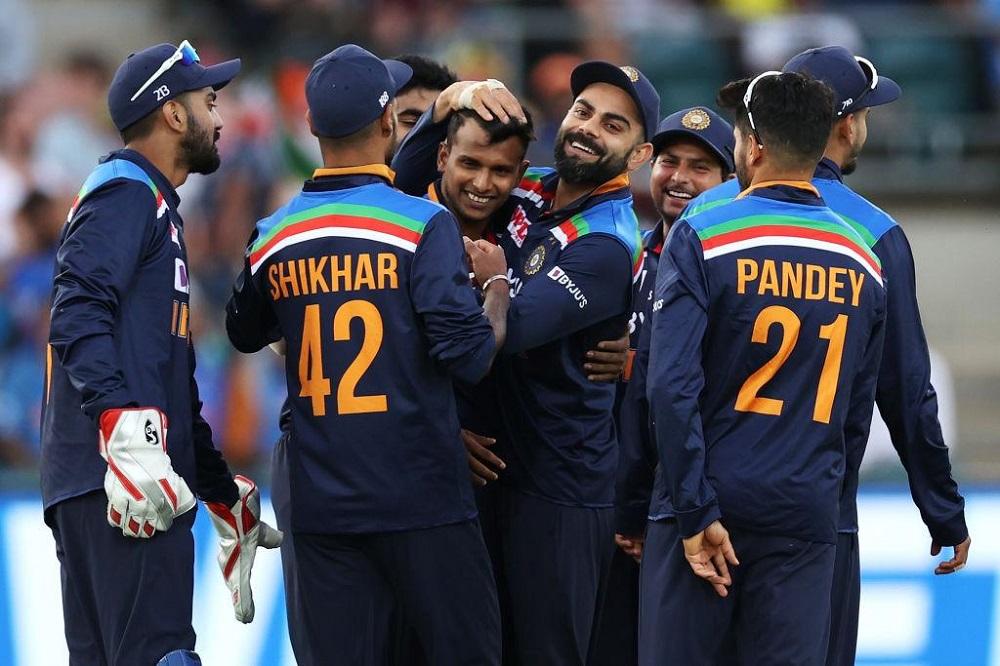 India Win 3rd ODI Against Australia In A Nail-Biting Match