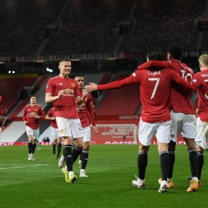 Manchester United stun Liverpool with an outstanding comeback to move through to the 5th Round of the FA Cup